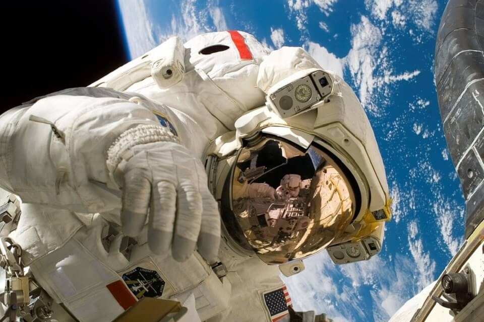 space-astronaut
